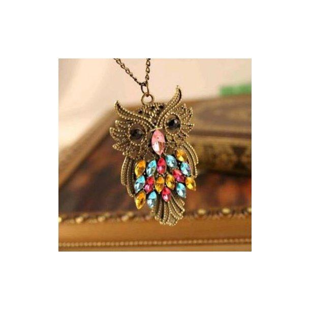 Lang halskæde med ugle med flerfarvede sten